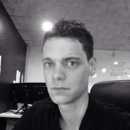 Aaron Curle